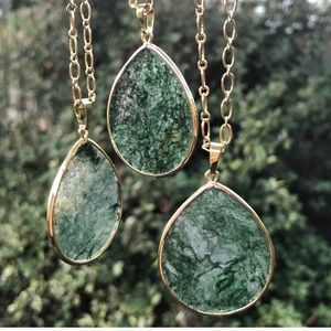 2 LEFT!🎋🆕18k Gold Moss Agate Necklace